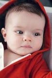Nette kaukasische Babymädchenblaue augen Stockbild