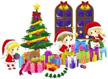 Nette kleine Elfen feiern Weihnachten in lokalisiertem backgrou Lizenzfreies Stockfoto