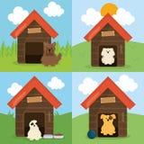Nette kleine Hunde in den Holzhaushaustiercharakteren lizenzfreie abbildung
