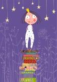 Nette kleine Prinzessin Girl Standing auf Stapel von Lizenzfreie Stockfotos