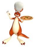 Nette Känguruzeichentrickfilm-figur mit Pizza- und Chefhut Lizenzfreie Stockbilder