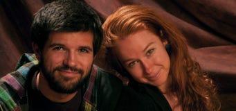 Nette lächelnde Paare Stockfoto