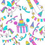 Nette magische Einhörner, Geburtstagskuchen mit Kerzen, Feiertagszubehör Auf weißem Hintergrund Stockfotos