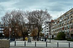 Nette moderne Ansicht von Quadrat Nowy Targ in alter Stadt Breslaus Stockfotos