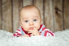 Nette 6 Monate Baby in einem Affekostüm Lizenzfreies Stockfoto
