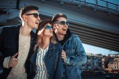 Nette Paare, die Spaß haben Lizenzfreies Stockfoto