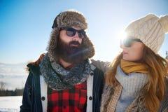 Nette Paare während des Winters Lizenzfreies Stockfoto