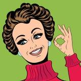 Nette Retro- Frau der Pop-Art in den Comics reden die Herstellung des OKAYzeichens an Lizenzfreie Stockfotos