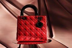 Nette rote Handtasche Stockfotos