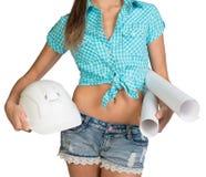 Nette sexy Frau, die Rollen von Papier- und von weißem hält Stockbild
