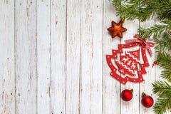 Nette takken met Kerstmisdecoratie Royalty-vrije Stock Afbeeldingen