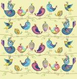 Nette und lustige Vögel auf einem yelow Hintergrund Auch im corel abgehobenen Betrag Lizenzfreies Stockfoto