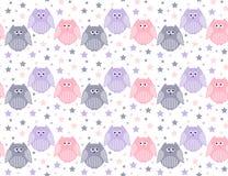 Nette violette, rosa und graue Eulen mit Sternen im Hintergrund Stockfoto