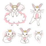 Nette wei?e Kaninchenprinzessin mit goldener Krone, rosa Bauch Tanz des kleinen M?dchens, sitzen, zuerst die Schritte, erschrocke lizenzfreie stockfotos