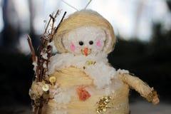 Nette Weihnachtsbaum-Schneemanndekoration Stockfotos