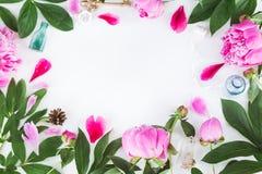 Nette Weinlesephotographie mit Blumen Draufsicht der flachen Lage Lizenzfreie Stockfotografie