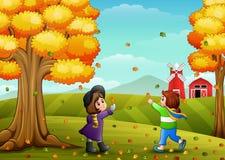 Nette zwei Kinder, die mit Herbstlaub spielen vektor abbildung