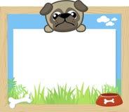 Netter Baby Pug und leeres Brett Stockbilder