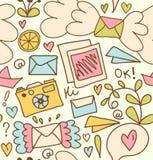 Netter Beitragshintergrund des nahtlosen Postmusters mit Buchstaben, Kamera, Früchte Stockbild
