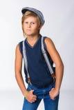 Netter blonder Junge oder Jugendlicher im Kniestück zufällig Stockbilder
