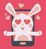 Netter Bunny Crazy in der Liebe innerhalb des Telefons Stockbild