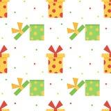 Netter bunter nahtloser Musterhintergrund mit bunten Geschenkboxen, Geschenken und Punkten Lizenzfreie Stockfotos