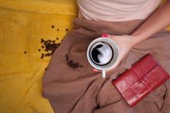 Netter gemütlicher Morgen mit Tasse Kaffee Stockbilder