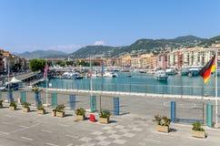 Netter Hafen in Frankreich Stockfotografie