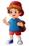 Netter Junge im Hut und in Rucksack, die Daumen aufgeben vektor abbildung