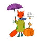 Netter Karikaturfuchs unter einem Regenschirm und einem kleinen Vogel auf einem Kürbis Lizenzfreies Stockbild