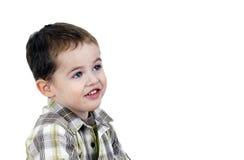 Netter kleiner Junge, der oben schaut Stockbilder