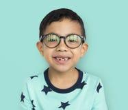 Netter netter Kinderjunge, der Spaß-Konzept hat Lizenzfreie Stockfotografie