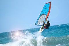 Netter Post sportman Windsurfer Lizenzfreie Stockfotografie