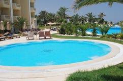 Netter Swimmingpool in der Südrücksortierung Lizenzfreies Stockbild