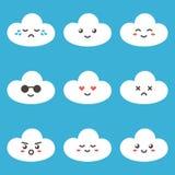 Netter Wolkencharakter der flachen Designkarikatur mit verschiedenen Gesichtsausdrücken, Gefühle Stellen Sie, Sammlung emoji auf  Stockbild