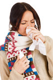 Nettes abgefangene Kälte der jungen Frau havign Lizenzfreie Stockbilder