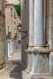 Nettes altes Straßendetail in einer spanischen Stadt Gerona Stockbild