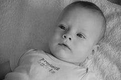 Nettes Baby b&w Lizenzfreie Stockfotografie