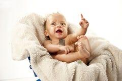Nettes Baby mit großen Augen lizenzfreies stockbild