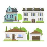 Nettes buntes flaches Immobilienhäuschen und -haus des Arthausdorfsymbols entwerfen buntes Wohngebäude stock abbildung