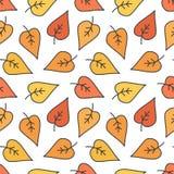 Nettes Gekritzel, Hand gezeichneter nahtloser Musterhintergrund des bunten Herbstlaubs Lizenzfreie Stockfotografie