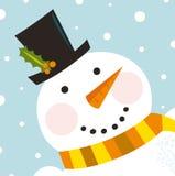 Nettes glückliches Schneemanngesicht mit schneiendem Hintergrund Stockfoto