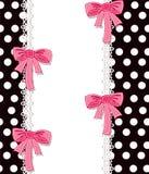 Nettes Häschen auf Blumenhintergrund mit Text Lizenzfreie Stockfotos