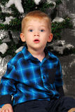 Nettes Jungenkinderweihnachten Stockfotos