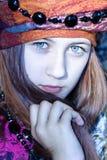 Nettes junges Mädchen in einem Turban Lizenzfreies Stockbild