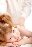 Nettes Kind und ein Doktor stockfoto
