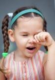 Nettes kleines аsian-Mädchen mit Zöpfen stockfoto