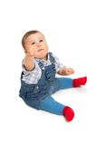 Nettes kleines Baby auf einem Weiß lizenzfreie stockfotos