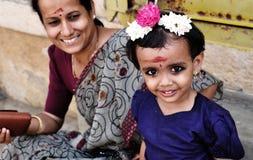 Nettes kleines indisches Mädchen stockfoto