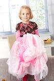 Nettes kleines Mädchen, das Prinzessin spielt Stockbilder